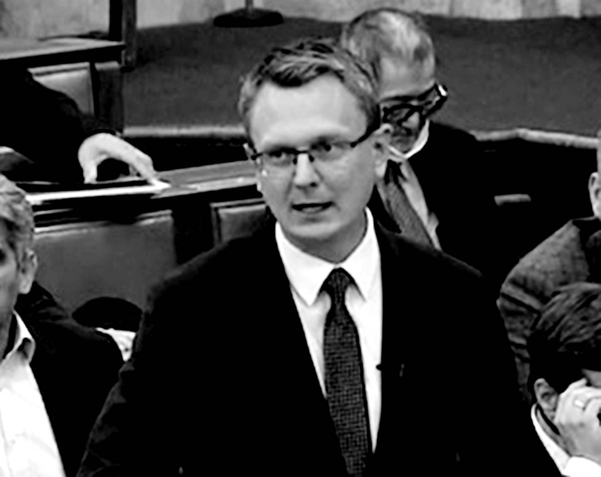 """Rétvári újabb """"a baloldal ráront nemzetére"""" riposztja: a baloldal drogpolitikájával veszélynek tenné ki a magyarokat!"""