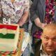 Németh Szilárd újra Wittner Máriánál vizitált! - Most az édesanyját, tortát és a szokásos fotóst is magával vitte