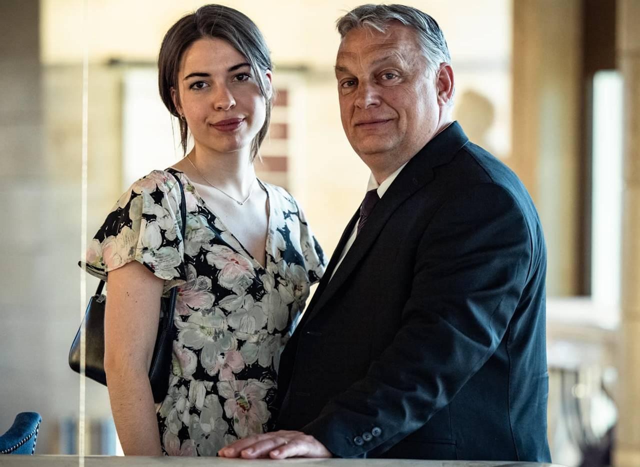 Orbán Viktor és lánya egy Vidnyánszky rendezte Wass Albert darab közönségeként emlékeztek Trianonra