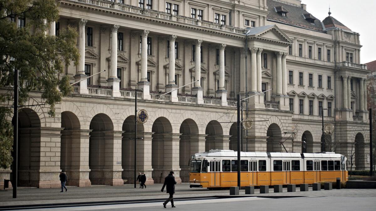 Kormány-dózer- Mi vár a Földművelésügyi Minisztérium épületére?