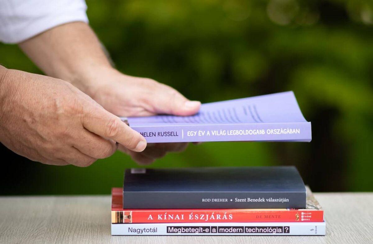 """Orbán """"könyvajánlója"""" kihozta sodrából a kommentelőket! - Ez van, ha olyanba tenyerel, ami nem foci....."""