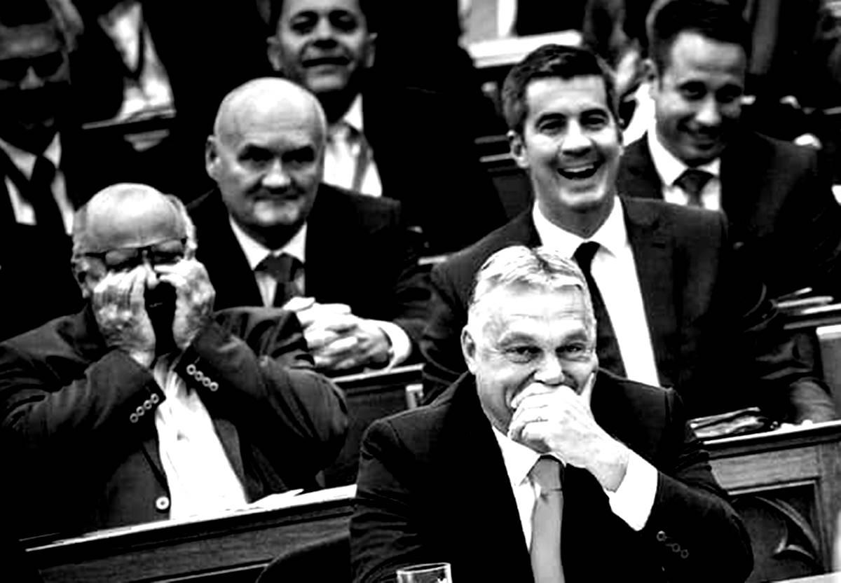 Tessék mondani! Ez most már így lesz a jövő tavaszig? - Kampány-gyűlés a csúcsos Házban - Csak egy életünk, csak egy országunk van!
