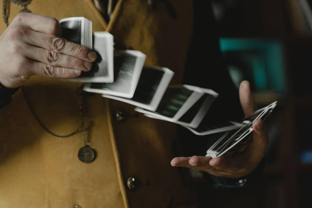 David Copperfield csak egy repülőt tüntetett el - a kanyarban sincs Tóth Csaba gyártelep-számához képest!